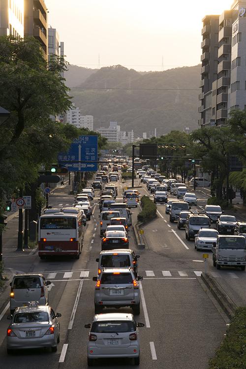 広島市城南通りの夕暮れ